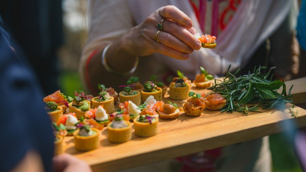 Middleton-Lodge-Wedding-drinks-reception-Stan-Seaton-Photography 362.jpg