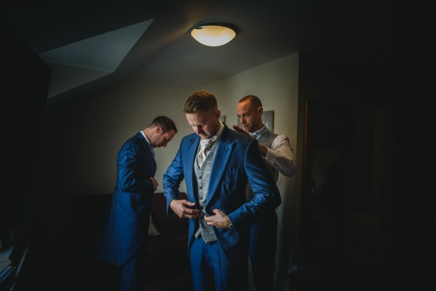 Stan-Seaton-photography-groom-getting-ready