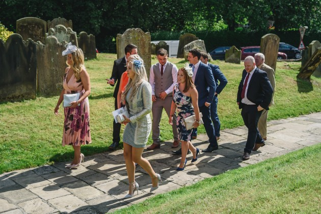 Stan-Seaton-Photography-wedding-guests-arriving