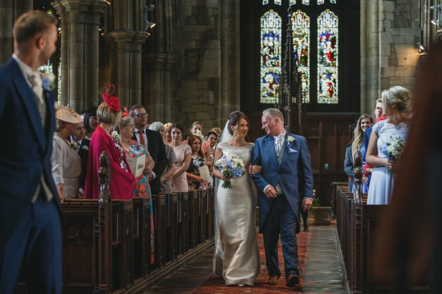 Stan-Seaton-Photography-bride-and-father-walking-down-the-aisle