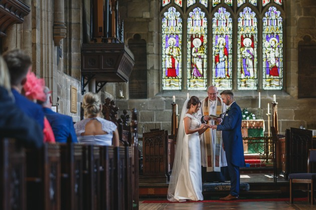 Stan-Seaton-Photography-bride-and-groom-exchanging-rings
