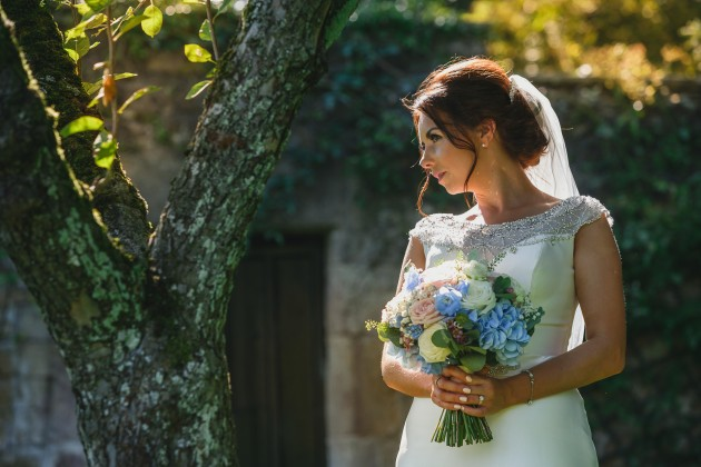 Stan-Seaton-Photography-Headlam-Hall-wedding-bride-with-bouquet