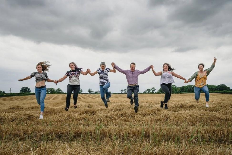 19 Family Harvest Photo Shoot